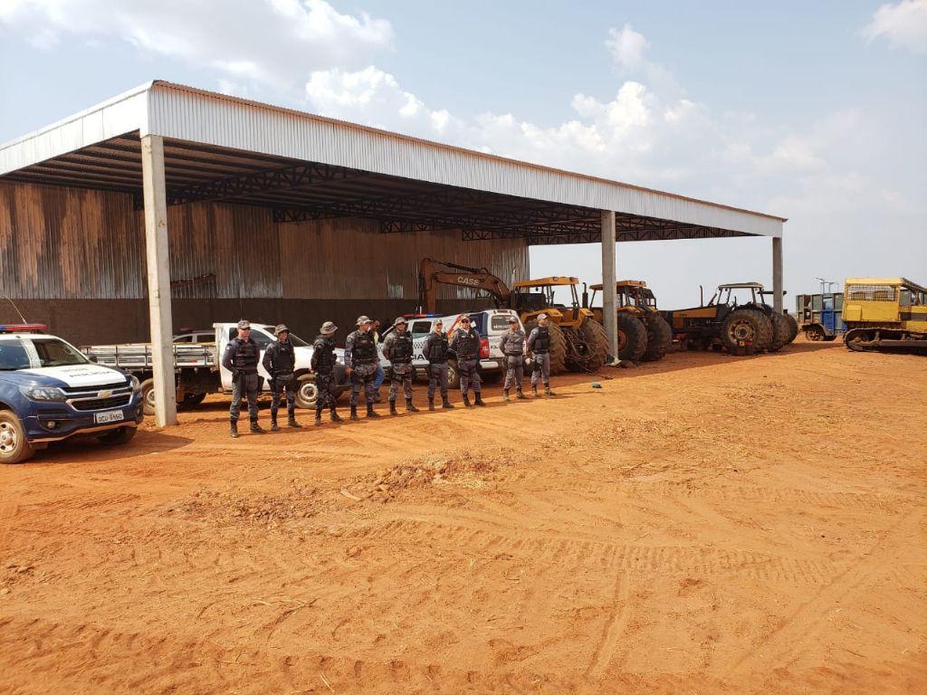 PM realiza reintegração de posse em fazenda e descobre crimes ambientais em Espigão do Leste
