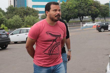 O ex-adjunto Francisvaldo Pereira de Assunção, preso na manhã desta segunda-feira (Crédito: Alair Ribeiro/MidiaNews)