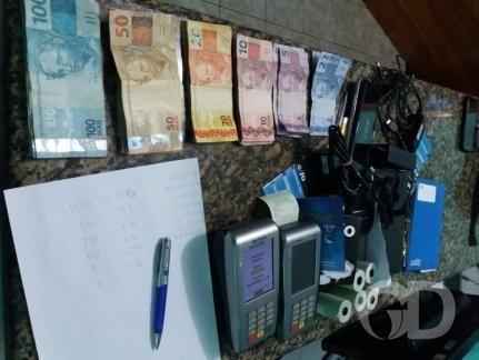 PM apreendeu máquinas e mais de R$ 2 mil em dinheiro