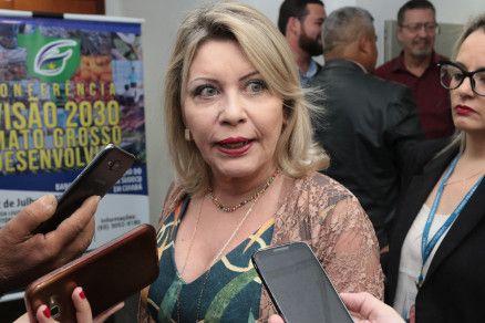 A senadora Selma Arruda, que se disse contra inclusão de Estados em Reforma da Previdência (Crédito: Alair Ribeiro/MidiaNews)