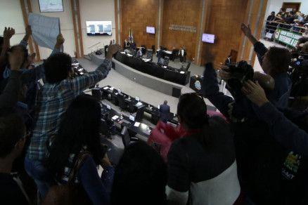 Manifestantes ocupavam galerias da Assembleia para acompanhar votação de projeto (Crédito: Alair Ribeiro/MidiaNews)
