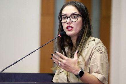 A presidente da ALMT, Janaina Riva, que solicitou à Procuradoria análise de viabilidade da ação judicial (Crédito: JLSiqueira/ALMT)