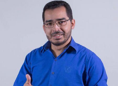 Prefeito de Ribeirão Cascalheira, Reynaldo Fonseca Diniz (PR), é acusado de captação ilicíta de votos e abuso de poder (Crédito: Agência da Notícia/Reprodução)