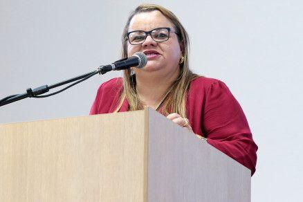 A secretária de Educação Marioneide Kliemaschewsk (Crédito: Reprodução)