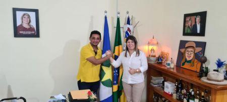 Prefeita de São Felix do Araguaia Janailza Taveira e seu Vice Tavares (Crédito: Agência da Notícia com Reprodução)