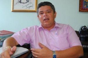 O ex-prefeito de Acorizal, Meraldo Sá, que foi condenado por prática de nepotismo (Crédito: Agência da Notícia)