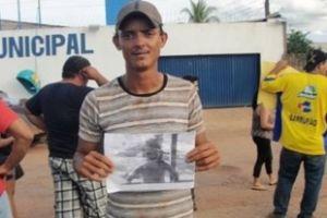 Cristiano, aqui com a foto da filha na semana passada, morreu vítima de acidente neste domingo (Crédito: Reprodução)
