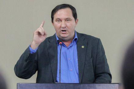 O deputado Valdir Barranco, que apontou falta de diálogo do Governo com profissionais da Educação (Crédito: Alair Ribeiro/MidiaNews)