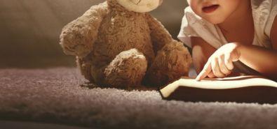 Segundo o pai, ele teme que a criança sofra algum abuso, devido a profissão da mãe. (Crédito: Agência da Notícia com Reprodução)