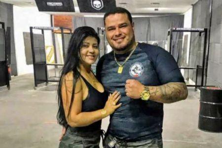 O empresário Toni da Silva Flor, que morreu aos 38 anos, e a então esposa, Ana Cláudia Flor (Crédito: Agência da Notícia com Reprodução)