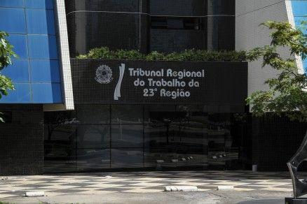 Fachada do Tribunal Regional do Trabalho, em Cuiabá (Crédito: MidiaNews)