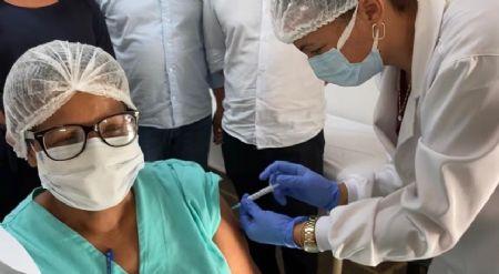 """écnica em Enfermagem """"Regina Francisca Trindade Oliveira (51) anos (Crédito: Reprodução)"""