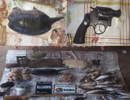 No local encontraram armas ilegais e animais abatidos (Crédito: PM/MT)