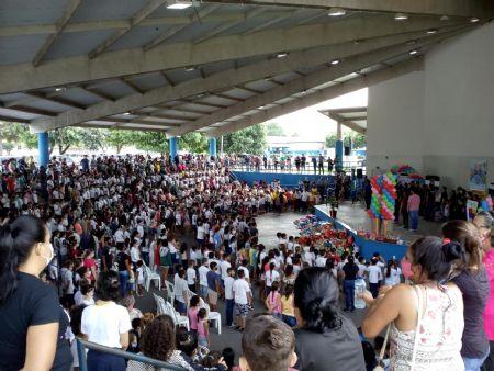 O evento finalizou a Campanha Dia das Crianças Solidário, em que foram arrecadados mais de 2,3 mil brinquedos para serem distribuídos para as crianças da cidade (Crédito: Agência da Notícia com Reprodução)