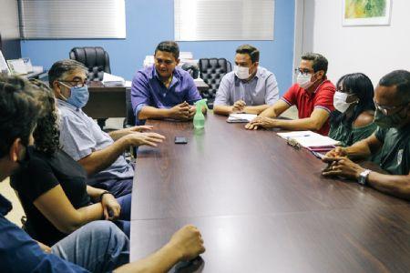 Reunião aconteceu pela manhã desta terça-feira (27), no gabinete do Prefeito (Crédito: Agência da Notícia com Reprodução)