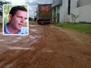 Prefeito promete investir em ruas que não tenham asfalto (Crédito: Agência da Notícia)