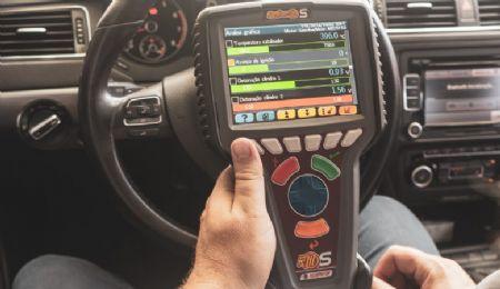 O equipamento conta com Software capaz de localizar problemas em veículos escaneados, promovendo assim a manutenção preventiva. (Foto ilustrativa) (Crédito: Agência da Notícia com Reprodução)