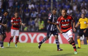 Alecsandro celebra o primeiro gol do Flamengo em Guayaquil (Crédito: Reprodução)