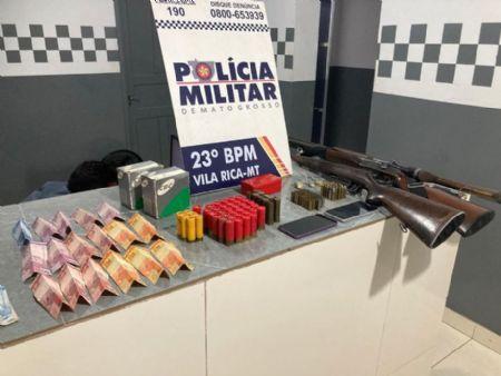 Além de drogas, o casal estava portando arma de fogo e dirigindo perigosamente. O caso ocorreu no bairro Vila Nova. (Crédito: Agência da Notícia com Reprodução)