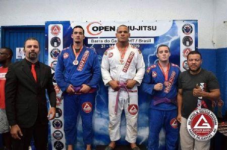 Douglas de Almeida conquistou a medalha de ouro na categoria absoluto, com 3 lutas, chegando na final. (Crédito: Agência da Notícia)