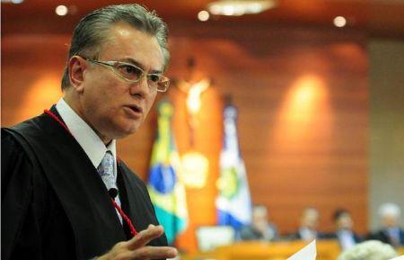 O desembargador Orlando Perri esteve há poucos dias em Porto Alegre do Norte (Crédito: Agência da Notícia/Reprodução)