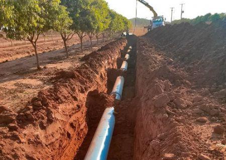 Com uma extensão total de 15 km, a obra irá potencializar o sistema de distribuição de água (Crédito: Agência da Notícia com Reprodução)