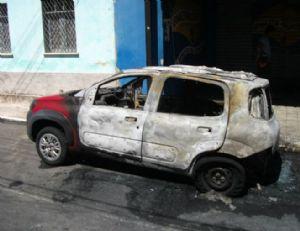 O carro que pegou fogo seria um modelo semelhante ao da foto (Crédito: Reprodução/Ilustrativa)